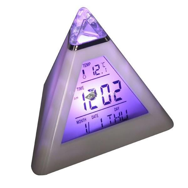 Színváltós piramis óra